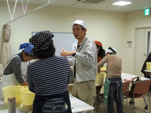 枚方の老舗「北村みそ本家」に学ぶ 楽しく美味しい手造り味噌教室