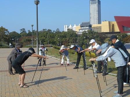 歩行困難者のためのポールウォーキング