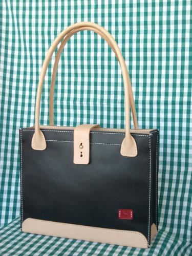 手縫いでつくる革の本格バッグ