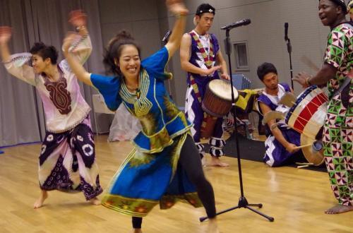 ジェンベの生音で踊る アフリカンダンス