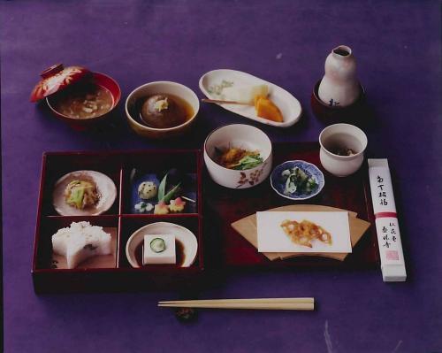 京都精進料理巡り 松花堂泰勝寺の精進料理
