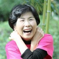 70歳からの笑いヨガ