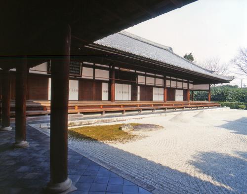 紫野の古刹で国宝の襖絵を細見する~大徳寺