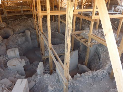 トルコのギョベクリ・テペ遺跡ー1万年前の神殿か?