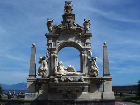 ナポリ建築の魅力