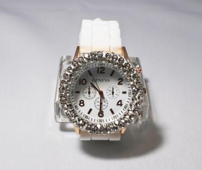 グルーデコのキラキラアクセサリー~時計
