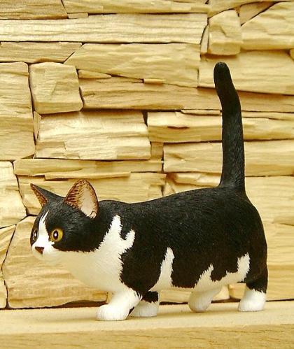 キャット・カーヴィング 木の猫を彫る