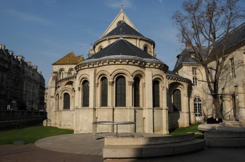 パリ―中世の教会を歩く