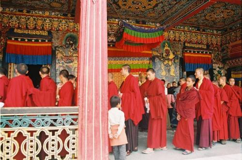 チベット仏教の僧侶
