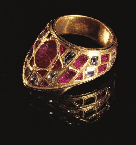 《射手用指輪》 オスマン帝国 16-17世紀 トプカプ宮殿博物館蔵
