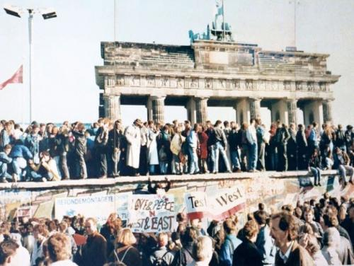 ベルリンの壁崩壊(1989年)
