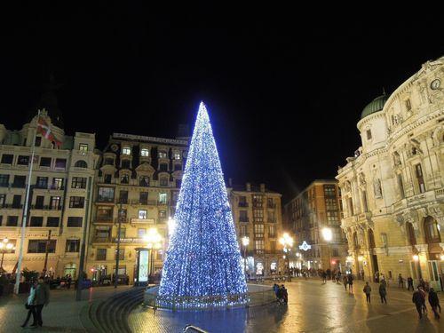 ビルバオ市内のクリスマスツリー