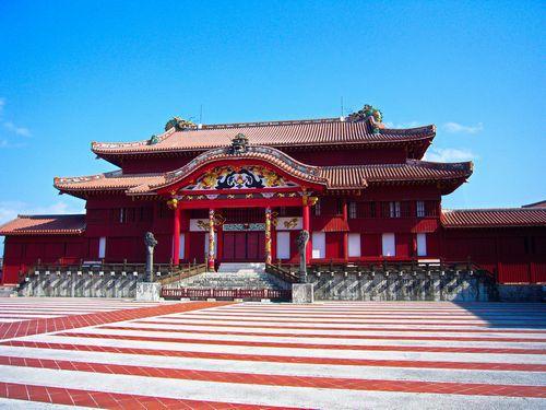 首里城の正殿(せいでん)