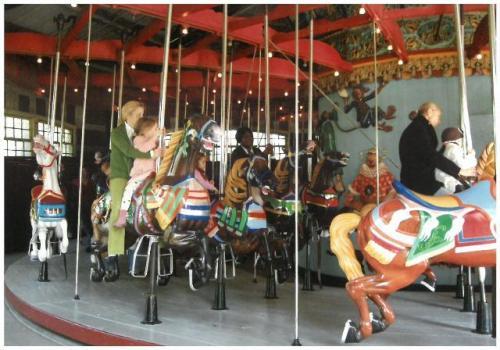『ライ麦畑』に登場するニューヨーク、セントラル・パークのカルーセル(回転木馬)