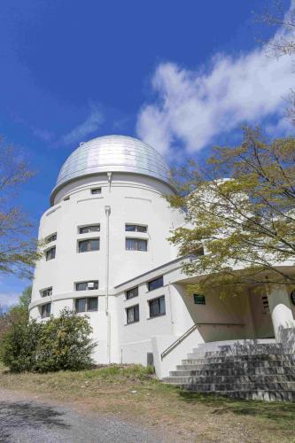 花山天文台本館外観