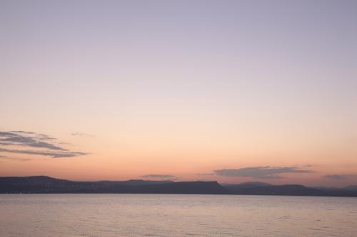 ガリラヤ湖夕景 撮影:佐藤研
