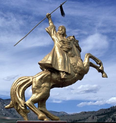 チンギス・カン騎馬像 ブンバン・ツーリストキャンプ (モンゴル首都ウランバートル近郊)