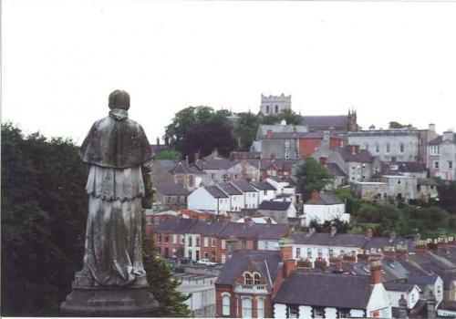 聖パトリックが布教の拠点にしたアーマーの街