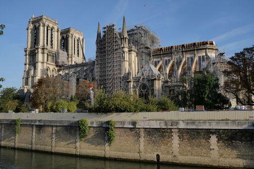 修復中のノートルダム大聖堂