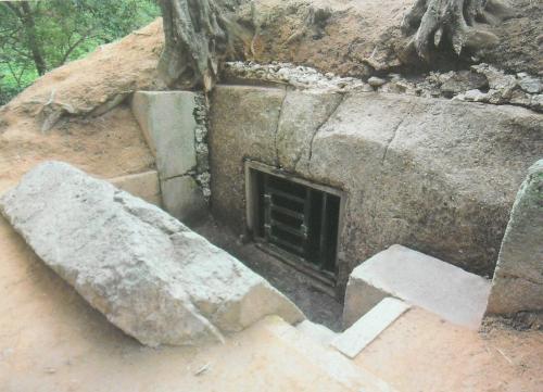 牽牛塚古墳の石室入口