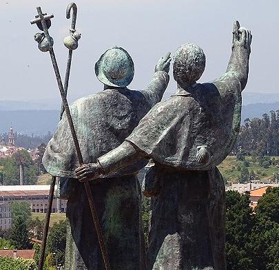 「歓喜の丘」の巡礼像。大聖堂のゴールまで約5キロの地点。(スペイン/モンテ・デル・ゴソ)