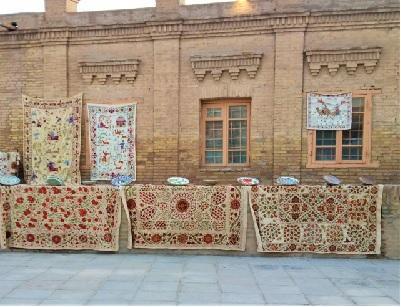 写真イメージ:ウズベキスタンの街並み