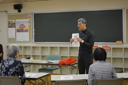 講義の様子(鈴木英樹講師)