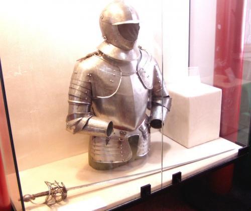 16世紀イタリアの甲冑と剣
