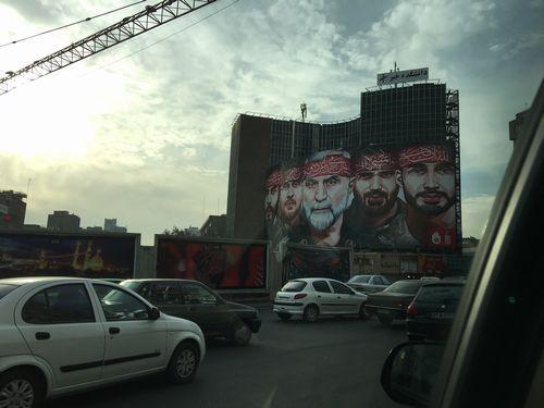 ソレイマニ司令官の壁画(テヘラン市内)