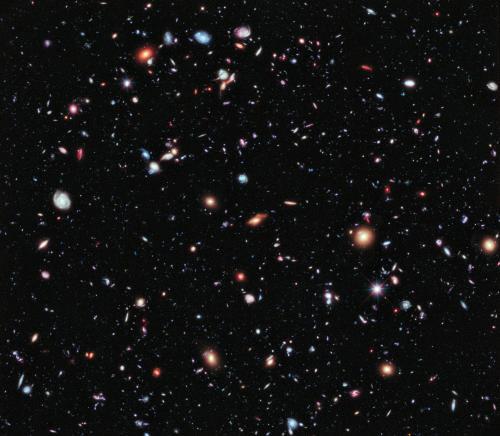 無数の銀河(画像提供:NASA)
