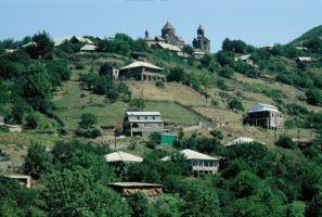 アルメニア高地のハフパト修道院遠望/講師撮影