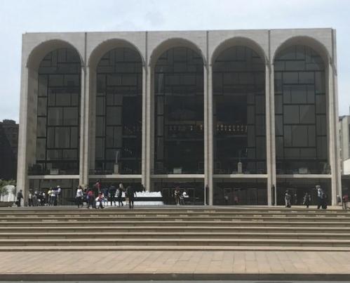 ニューヨーク・メトロポリタン歌劇場