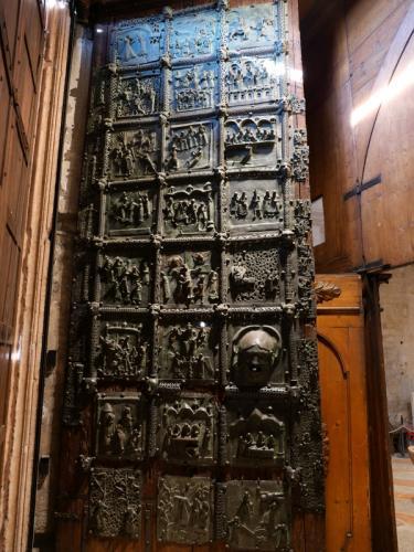 サン・ゼノの青銅扉