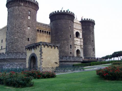 1494年に激戦を経験したカステル・ヌォーヴォ(ナポリ)