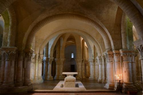 サントのサン・トゥトロープ教会のクリプト