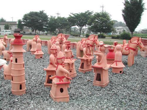 保渡田八幡塚古墳の形象埴輪群像