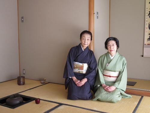 藍川講師(左)と小森講師