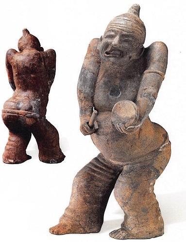 【図10-2】太鼓を叩く者(1963年郫県宋家林磚室墓、四川博物院)