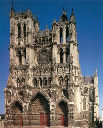 「ゴシックの王」と呼ばれるアミアン大聖堂(仏)