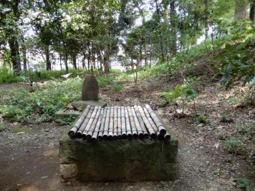 弁慶硯の井戸(高安寺)