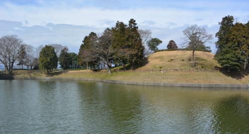 柳本黒塚古墳の近景