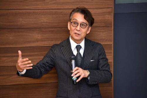 岡本裕一朗先生