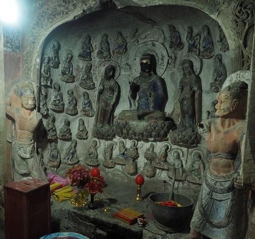 臥龍山石龕佛像(初唐)四川