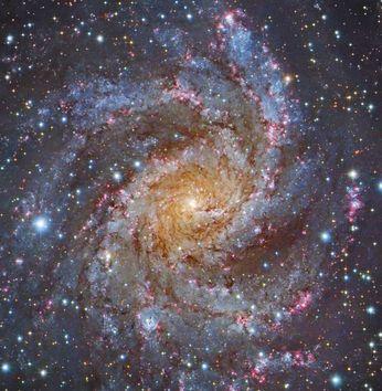 Ⓒ NASA, ESA, STScI, R. Gendler,  and the Subaru Telescope (NAOJ)