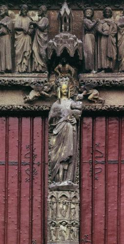 仏アミアン大聖堂《黄金の聖母》