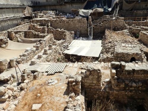 古代の遺跡が折り重なるエルサレムの地下