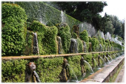 ヴィッラ・デステ 百噴水の通り
