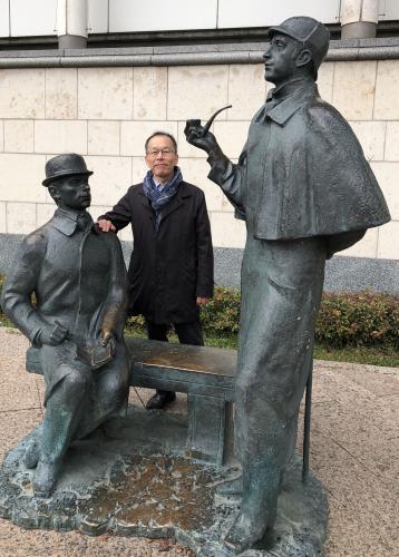 ホームズとワトソン像(モスクワ)