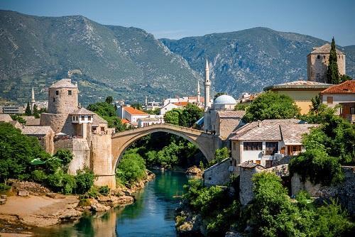 モスタルの橋(ボスニア・ヘルツェゴビナ)
