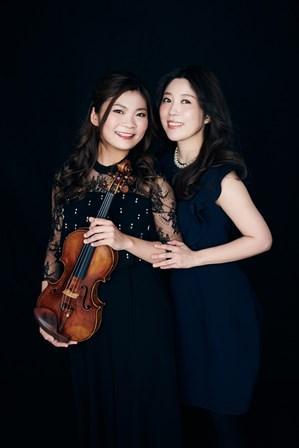 (左)土岐祐奈さん (右)平山麻美さん
